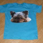 Fotka Yorkšírský teriér Nessie na tričku
